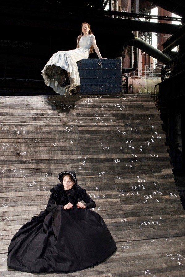 Szene aus Trilogie meiner Familie, Regie: Luc Perceval, Foto: Armin Smailovic