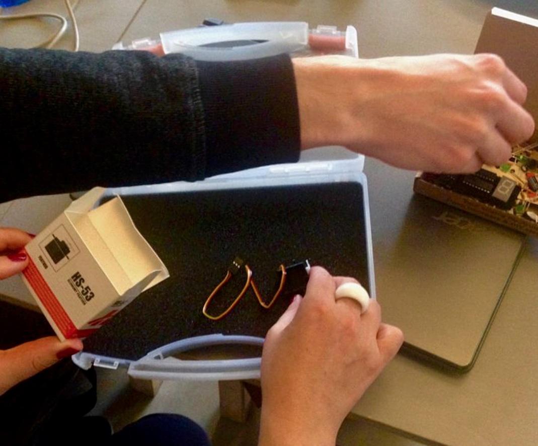 Erste Schritte mit dem Arduino: Basteln beim Hackathon