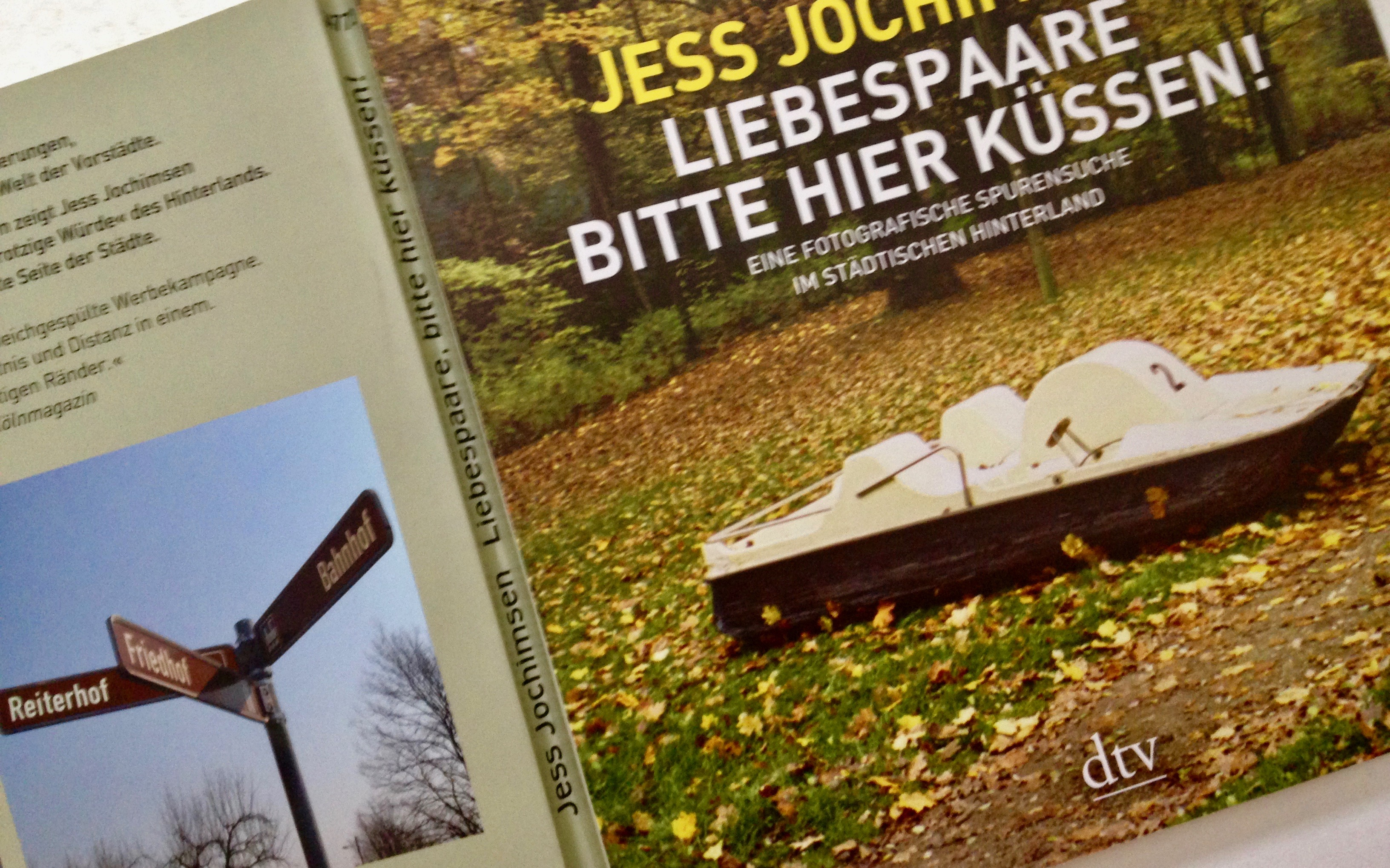 """Buchcover """"Liebespaare bitte hier küssen!"""""""